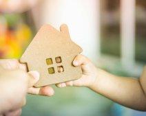 Vợ có được đòi lại nhà đất khi chồng viết di chúc để lại cho con riêng?