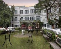 Khách sạn 5 sao ế ẩm, giá phòng còn hơn 1 triệu đồng/ngày