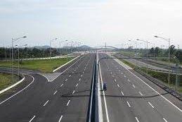 Dự án đường bộ cao tốc Cam Lộ - La Sơn 7.669 tỷ đồng sắp được khởi công